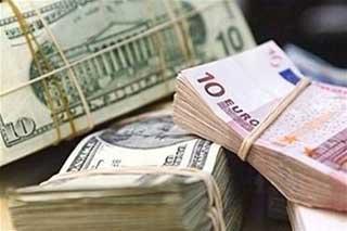 Спрос на наличную иностранную валюту будет падать - эксперт