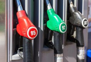 Продажи бензина через АЗС в октябре сократились на 17,1%, дизтоплива – на 11,2%