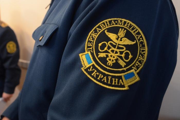 Замначальника Львовской таможни задержали на взятке