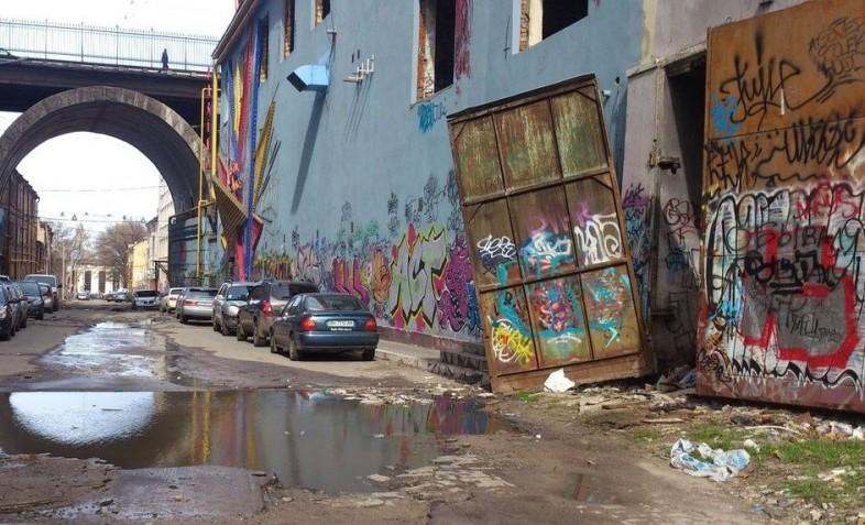 Почему восточные районы европейских городов считаются «хуже»?