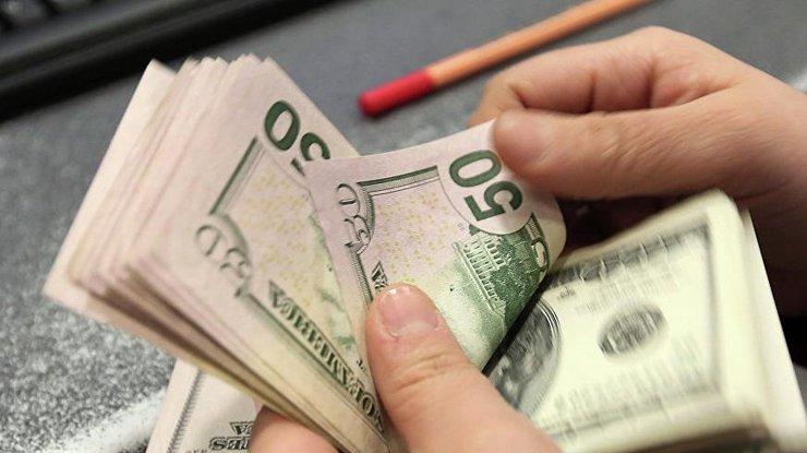Стало известно какой курс доллара Минфин заложил в проект госбюджета-2018